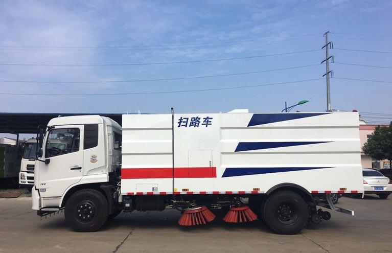 东风天锦4方水8方尘扫路车图片3
