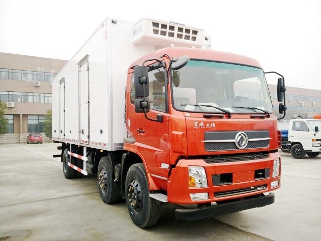 东风天锦小三轴冷藏车(厢长7.7/8.6米)图片2