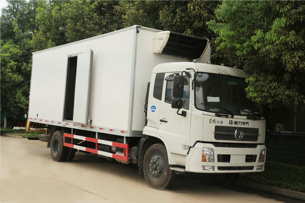 东风天锦冷藏车(厢长6.1米)图片2
