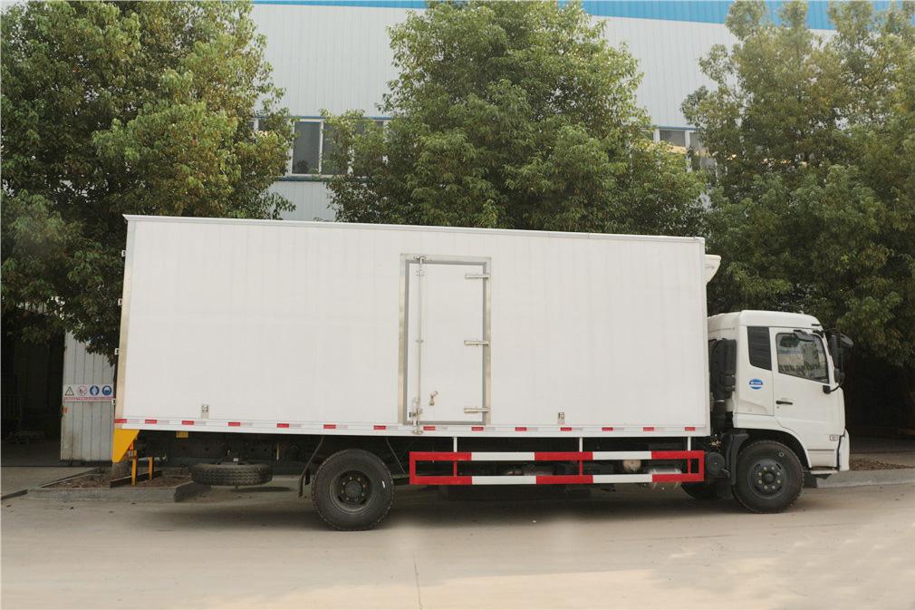 东风天锦冷藏车(厢长6.1米)图片5