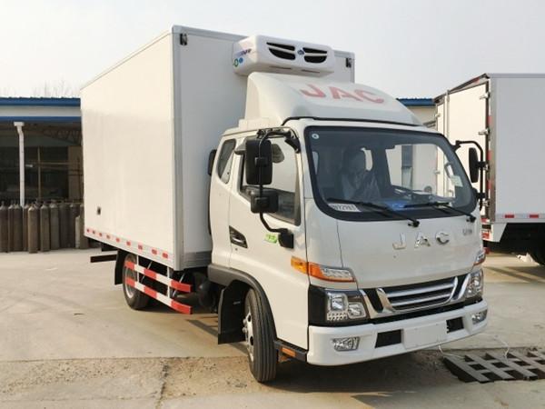 江淮骏铃V5一排半冷藏车(厢长3.7米)