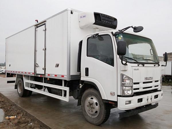 五十铃700P冷藏车(厢长5.7/6/6.8米)