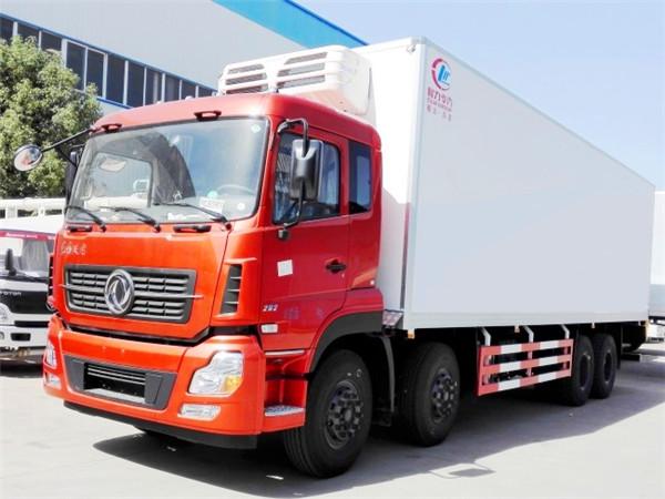 「天博网址」东风天龙前四后八冷藏车(厢长9.6米)