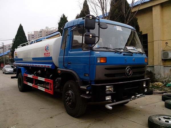 現車 東風153灑水車(12-15噸)
