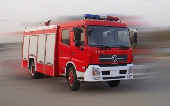 东风牌水罐消防车