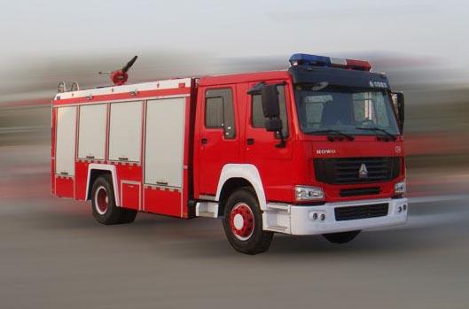 重汽豪泺牌5吨泡沫消防车