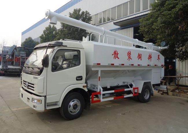 12立方(6吨)电动多利卡散装饲料车