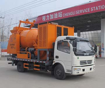 东风多利卡车载式混凝土泵车