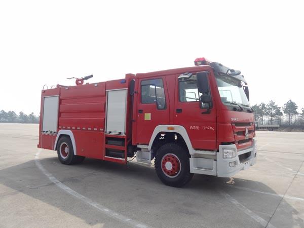 JDF5203GXFPM80型泡沫消防车