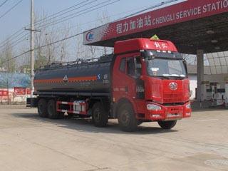 19方氨水解放前四后八腐蚀性物品罐式运输车