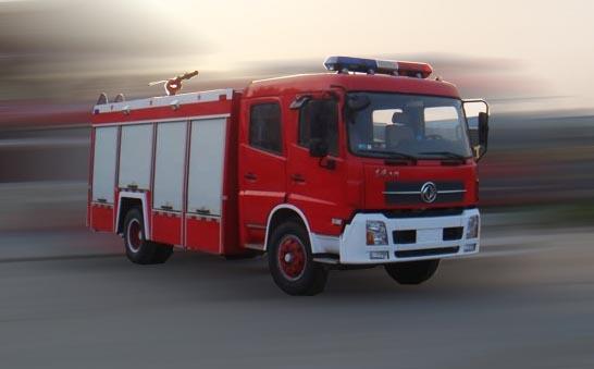 4吨东风牌泡沫消防车