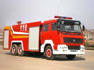 重汽豪泺双桥水罐泡沫消防车12-15吨