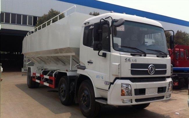 30立方(15吨)电动天锦小三轴散装饲料车