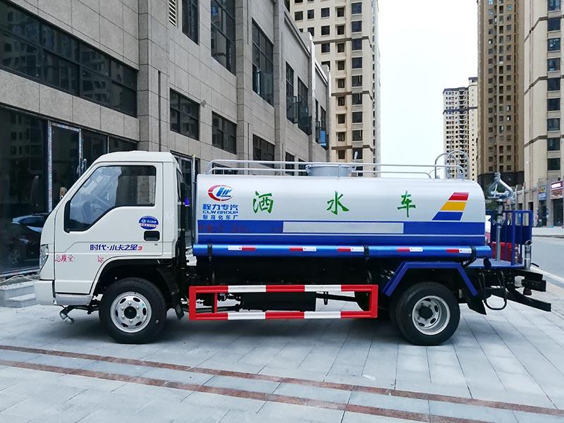特价5.5万 5吨福田洒水车图片3