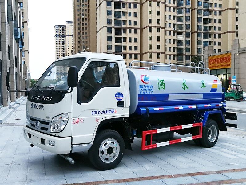 特价5.5万 5吨江淮喷水车