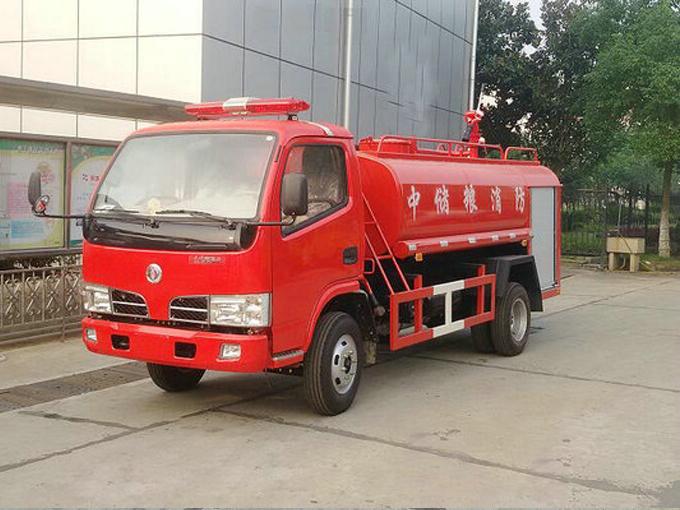 东风多利卡4吨消防洒水车