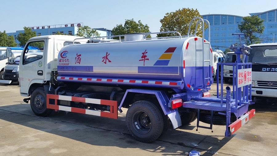 5吨东风福瑞卡洒水车图片2