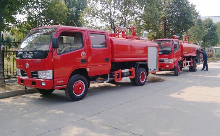 东风双排3.5吨消防洒水车